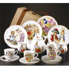 Beatrix Potter Peter Rabbit & Friends Picnic Baske